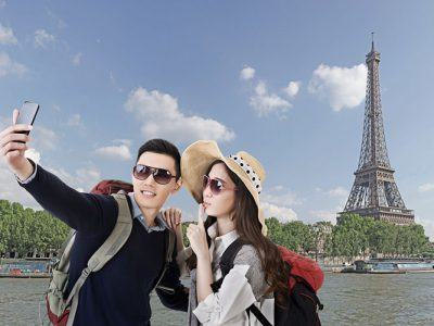 Asian Travelers © ChenPG, Fotolia